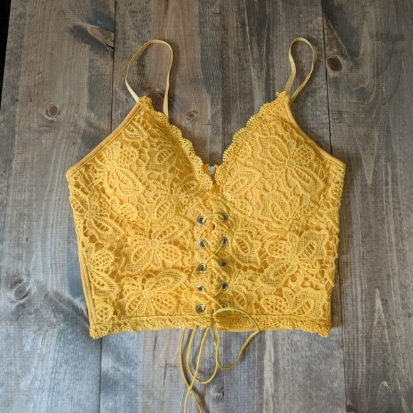 Tops - Lace knit bralette New with out tags
